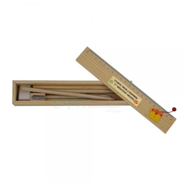 Κασετίνες με ξυλομπογιές και ξύστρα